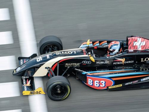 B63 Energy Drink: ADAC Formel Masters - Lotus Team - Ralph Boschung sponsored by B63
